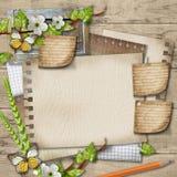 Carta in bianco con il ramo sbocciante della ciliegia, farfalla, matita sopra Fotografie Stock