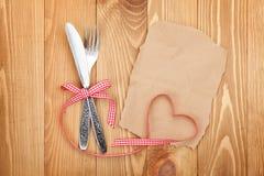 Carta in bianco per la ricetta o nota e argenteria fotografia stock