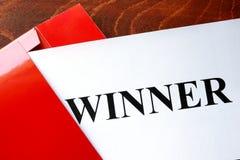 Carta con il vincitore di parola fotografie stock