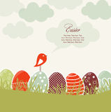 Carta con le uova di Pasqua e l'uccello Immagini Stock Libere da Diritti