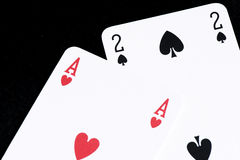 Carta da gioco sulla tavola nera Fotografie Stock Libere da Diritti