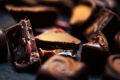 Carta da parati dolce di Candy di cioccolato nell'alta risoluzione Chocola scuro Immagini Stock