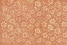 Carta da parati floreale usata dell'annata in rossetto Immagine Stock