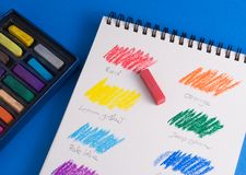 Carta de color en colores pastel Imagenes de archivo