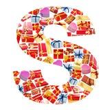Carta de S hecha de giftboxes Fotos de archivo
