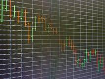 Carta del mercado de acción, gráfico en fondo negro Foto de archivo libre de regalías