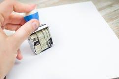 Carta del timbro di gomma della mano Fotografie Stock Libere da Diritti