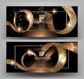 Carta dell'invito di VIP con i nastri strutturati ricci dell'oro Fotografia Stock