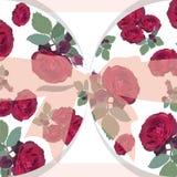 Carta delle rose rosse di nozze con l'arco Fotografia Stock Libera da Diritti