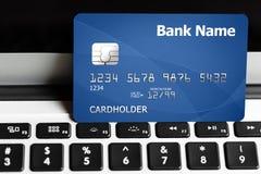 Carta di credito e tastiera di calcolatore Fotografia Stock Libera da Diritti