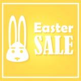 Carta di pasqua con le vendite un giorno festivo Un coniglio su un fondo giallo è descritto Con una struttura rettangolare sottil Fotografia Stock Libera da Diritti