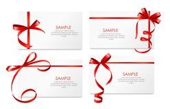 Carta di regalo con l'insieme rosso dell'arco e del nastro Vettore Immagine Stock Libera da Diritti