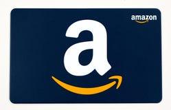 Carta di regalo di Amazon su un fondo bianco fotografie stock libere da diritti