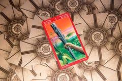 Carta di tarocchi Ace delle bacchette Piattaforma dei tarocchi del drago Priorità bassa esoterica Fotografia Stock Libera da Diritti