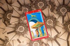 Carta di tarocchi quattro delle bacchette Piattaforma dei tarocchi del drago Priorità bassa esoterica Immagine Stock