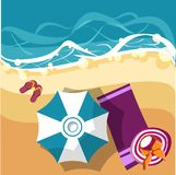 Carta di vacanza con l'ombrello di spiaggia royalty illustrazione gratis
