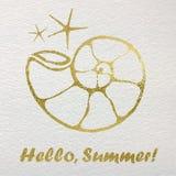 Carta disegnata a mano con gli elementi nautici della stagnola di oro Ciao, estate Fotografia Stock