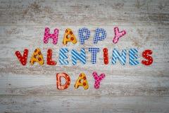 Carta felice di San Valentino con la lettera 3d separata - vista superiore fotografia stock libera da diritti