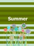 Carta floreale dell'invito di bella estate vacanza estiva, fiori e linee astratte messi Immagine Stock