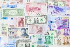 Carta moneta globale, attività bancarie, finanza e mercato azionario Fotografia Stock