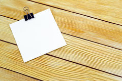 Carta per appunti sulle stecche di legno del fondo Fotografia Stock Libera da Diritti