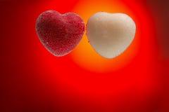 Carta per il giorno del ` s del biglietto di S. Valentino: Cuore rosso e bianco coperto di bubbl Fotografia Stock