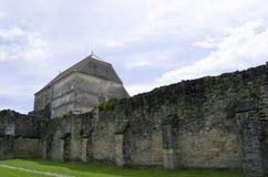 Carta, Rumania - 8 puede 2016 - la abadía cisterciense de Transilvania imagenes de archivo