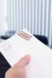Carta urgente imágenes de archivo libres de regalías