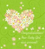 Carta verde de saludo de la llegada del bebé con el ramo de la margarita rosada y blanca con forma del corazón stock de ilustración