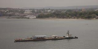 Cartagena Colômbia a barca longa com um alojamento na plataforma Foto de Stock