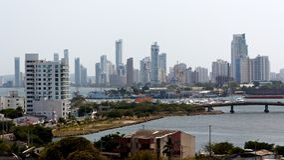 Cartagena-Skyline auf dem Horizont stockfotos