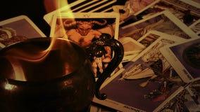 Cartas de tarot místicas del adivino mágico de la brujería