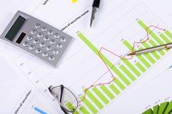 Cartas e gráficos das vendas Foto de Stock Royalty Free