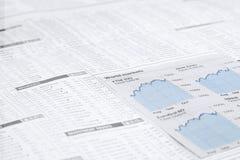 Cartas financieras del mercado del papel de las noticias, Imagen de archivo libre de regalías