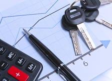 Cartas financieras y un manojo de claves en el vector Foto de archivo libre de regalías