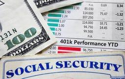 cartas 401k y Seguridad Social fotos de archivo libres de regalías