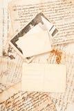 Cartas y fotos viejas fotos de archivo libres de regalías