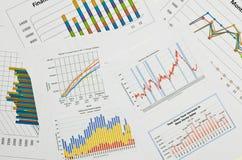 Cartas y gráficos de negocio Imágenes de archivo libres de regalías