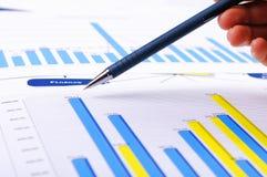Cartas y gráficos de ventas Imagen de archivo libre de regalías
