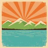 Cartaz da natureza do vintage. Horizonte das montanhas Fotografia de Stock
