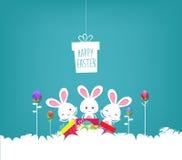 Cartaz da Páscoa Pendurar eggs no fundo azul com coelho e texto escrito à mão ilustração do vetor