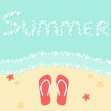 Cartaz das férias da praia do verão com mar, falhanços de aleta da areia, estrela do mar, shell Foto de Stock