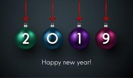 Cartaz 2019 do ano novo feliz com bolas do Natal ilustração royalty free