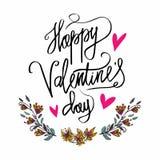 Cartaz feliz da tipografia do dia de Valentim com o ramo escrito à mão do texto da caligrafia das flores, isolado no fundo branco Fotos de Stock Royalty Free