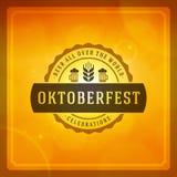 Cartaz ou cartão do vintage de Oktoberfest Fotografia de Stock Royalty Free