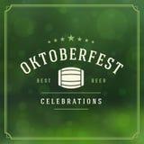 Cartaz ou cartão do vintage de Oktoberfest Fotografia de Stock