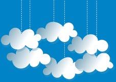 Carte accrochante d'invitation de nuages Image stock
