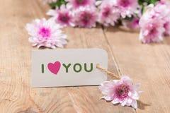 Carte avec amour de message vous sur la lettre sur le fond en bois Photos libres de droits
