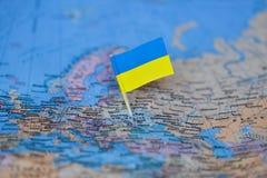Carte avec le drapeau de l'Ukraine image stock