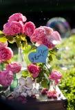 Carte avec le message 'amour vous' manuscrit Photographie stock libre de droits